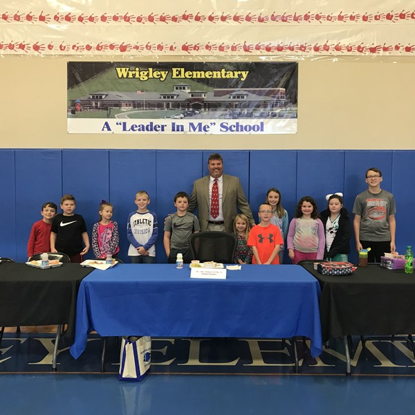 Eat with a Leader at Wrigley Elementary