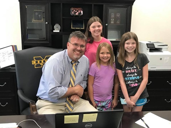 Wrigley Elementary students visit the Superintendent